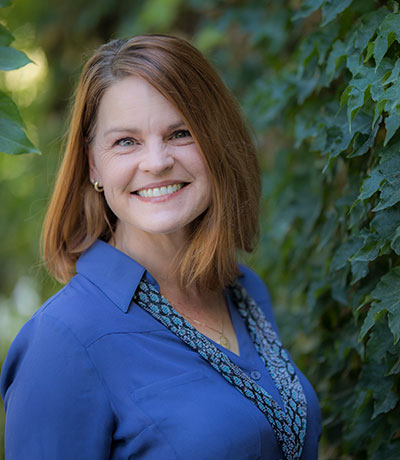 Kelly Bradshaw: Insurance Coordinator & RDA